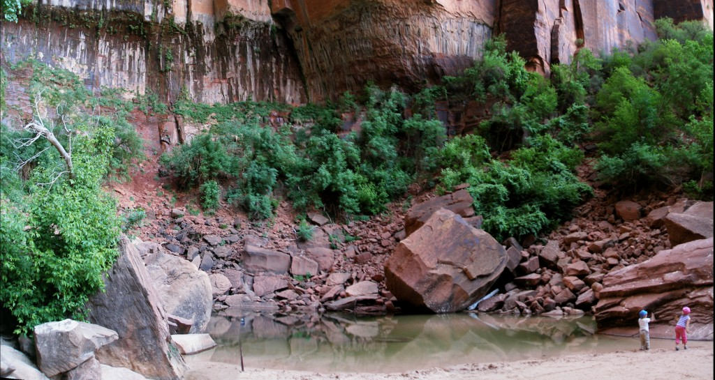 Emerald_Pool,_Zion_National_Park_-_panoramio