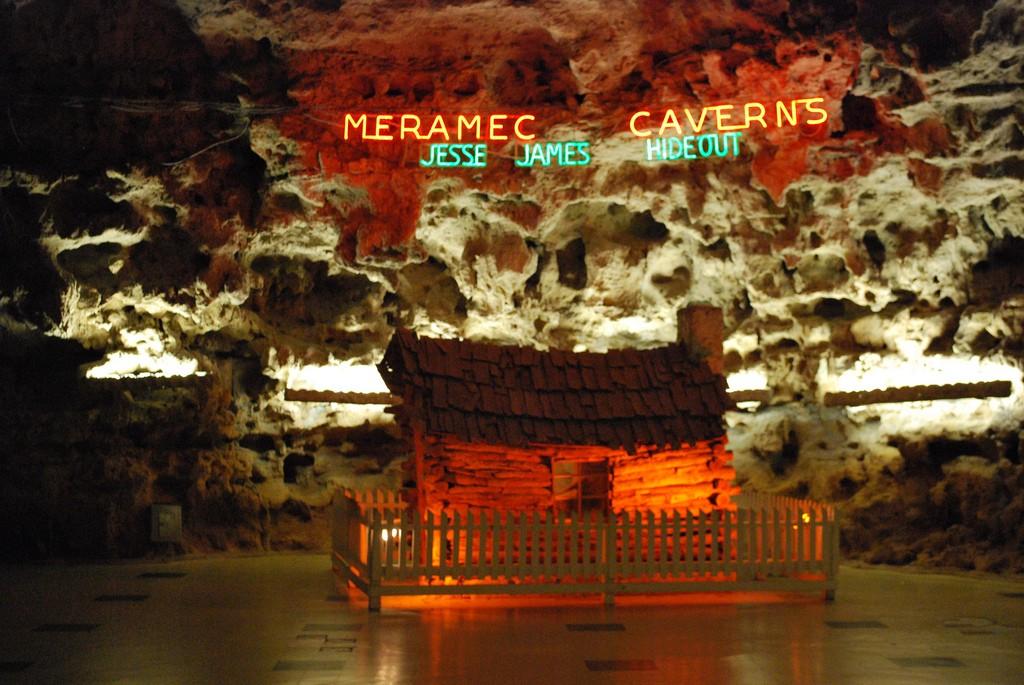 Meramec_Caverns