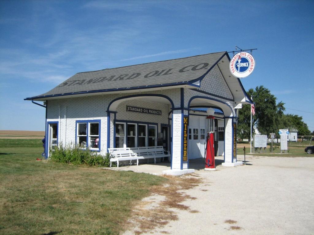 Standard_Oil_Gasoline_Station5