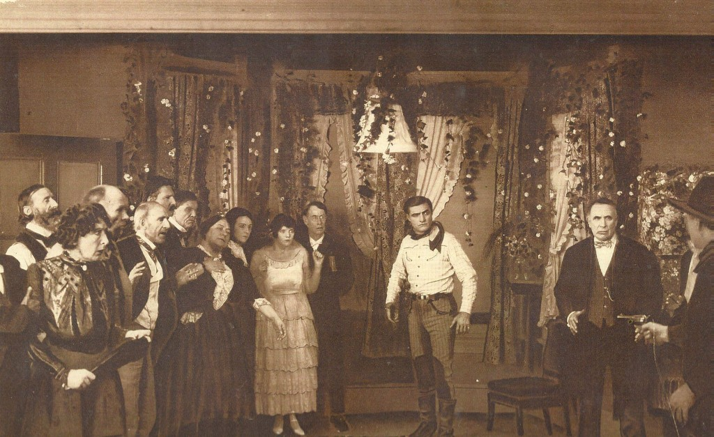 still-of-george-bancroft,-hank-bell,-frank-coffyn,-jane-keckley,-lucien-littlefield,-doris-may-and-tom-mix-in-the-deadwood-coach-(1924)-large-picture