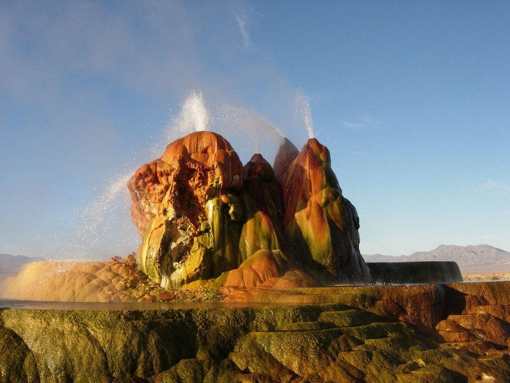Fly_Geyser,_Nevada-1