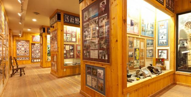 utah-cvb-red-cliffs-lodge-movie-museum