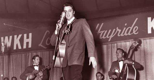 Elvis played the ÒLouisiana HayrideÓ in Shreveport, Louisiana, 1955.