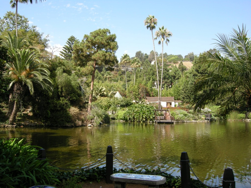 Lake_shrine,_LA,_05